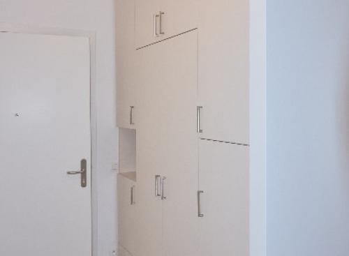 Réalisation et installation de placards sur-mesure